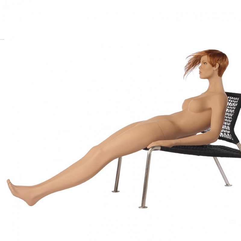 Pure – Naturalistische Damenfigur – sitzend – Hindsgaul